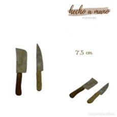 Figuras de Belén: CUCHILLO Y MACHETE DE CARNICERO MINIATURA BELÉN NAPOLITANO PRESEPE NAPOLETANO ATREZZO CARNICERÍA. Lote 246788125