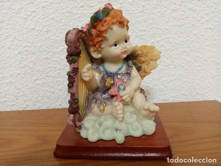 FIGURA EN RESINA ANGEL QUERUBIN,ANGELOTE, CON ARPA AÑOS 80 (Coleccionismo - Figuras de Belén)