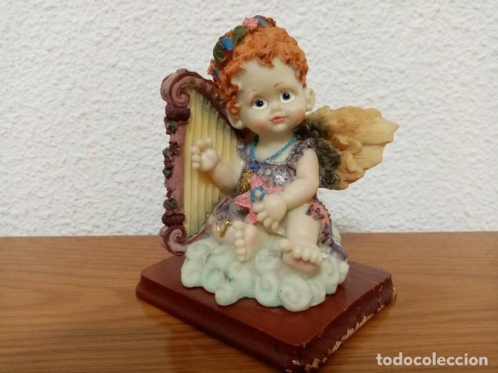 Figuras de Belén: Figura en resina angel querubin,angelote, con arpa años 80 - Foto 2 - 254013750
