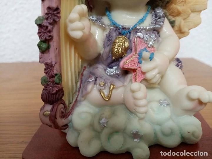 Figuras de Belén: Figura en resina angel querubin,angelote, con arpa años 80 - Foto 8 - 254013750