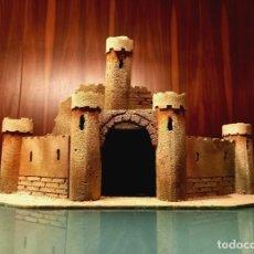 Figuras de Belén: MUY ANTIGUO CASTILLO HERODES FIGURAS BELÉN RESTAURAR. Lote 258229155
