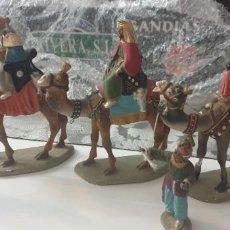 Figuras de Belén: FIGURAS DE BELEN TERRACOTA ANTIGUAS REYES MAGOS UNO PARA RESTAURAR FALTA 1 PAJE 20 CMS REYES. Lote 261995210