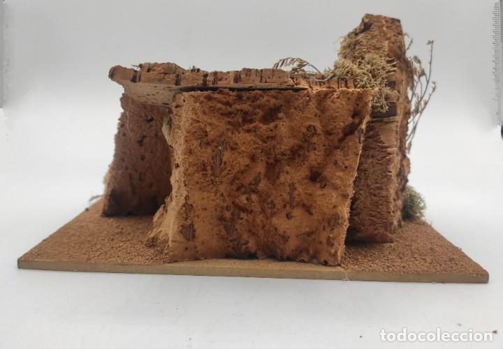 Figuras de Belén: Pesebre de conglomerado, corcho y baquelita, del siglo XX. - Foto 6 - 277050283