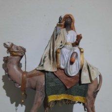 Figuras de Belén: IMPRESIONANTE FIGURA DE BELEN ANTIGUA.REY MAGO.GRANDES DIMENSIONES.. Lote 278500843