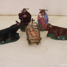 Figuras de Belén: ANTIGUO BELEN NACIMIENTO DE BARRO, 4 PIEZAS. Lote 288602583