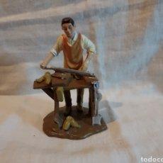 Figuras de Belén: FIGURA DE BELEN ZAPATERO DE LA CASA PUIG.PLASTICO DURO. Lote 293821753