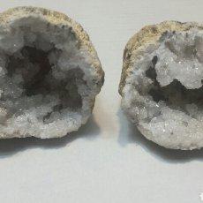 Coleccionismo de fósiles: GEODA RACIMO DE QUARZO CRISTALINO EN 2 PARTES. Lote 72273930
