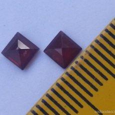 Coleccionismo de gemas: GRANATE PAREJA DE GRANATES NATURALES TALLA CARRE 4X4 MM. Lote 55235480