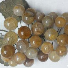 Coleccionismo de gemas: RACIMO ANTIGUO EN QUARZO AMARILLO Y BRONCE. Lote 77569302
