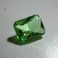 Coleccionismo de gemas: PERIDOTO SINTETICO TALLA ESMERALDA. Lote 87887764