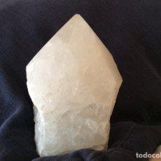 Coleccionismo de gemas: IMPRESIONANTE CUARZO BLANCO SEMIPULIDO. Lote 103123991