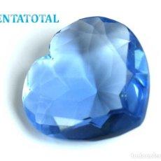 Collectionnisme de gemmes: TOPACIO AZUL CORAZON - DE 60,40 KILATES CON CERTIFICADO IGL MEDIDA 3,1 X 3,1 CENTIMETROS - Nº14. Lote 115038131