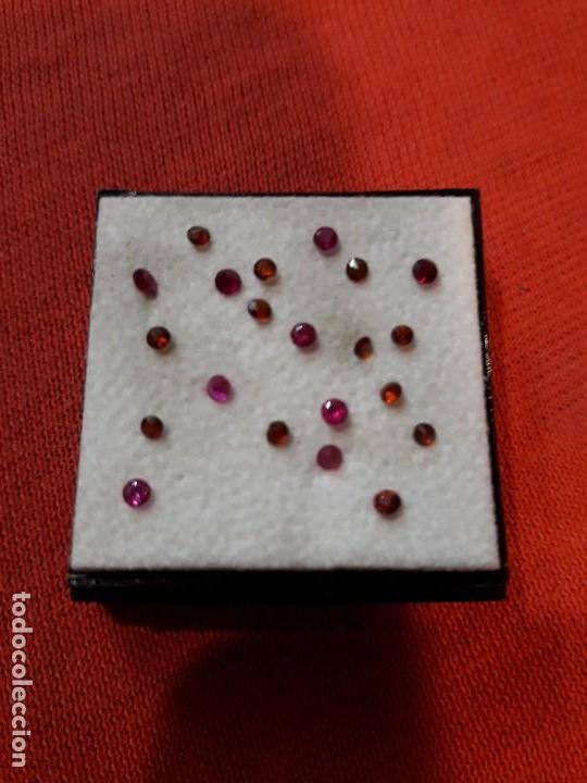 LOTE DE 20 RUBIS SINTÉTICOS. (Coleccionismo - Mineralogía - Gemas)