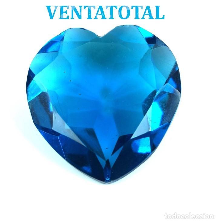 TOPACIO SWISS BLUE 40,65 KILATES CON CERTIFICADO IGL MEDIDA 27X26X10 MILIME = 2,7X2,6 CENTI-Nº25 (Coleccionismo - Mineralogía - Gemas)