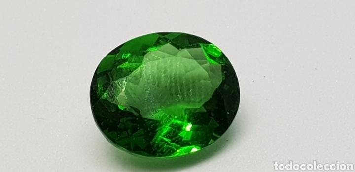 Coleccionismo de gemas: Moldavia 3,95 ct verde intenso profundo - Foto 2 - 129646630