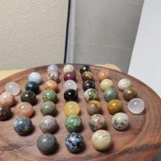 Coleccionismo de gemas: COLECCIÓN 37 GEMAS EN TABLA DE MADERA. Lote 132585706