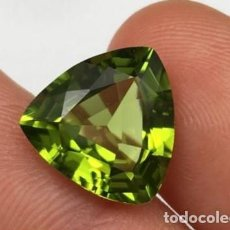 Coleccionismo de gemas: PRECIOSO ZAFIRO VERDE OLIVA TALLA TRILLION DE 5.91 CT.. Lote 152946046