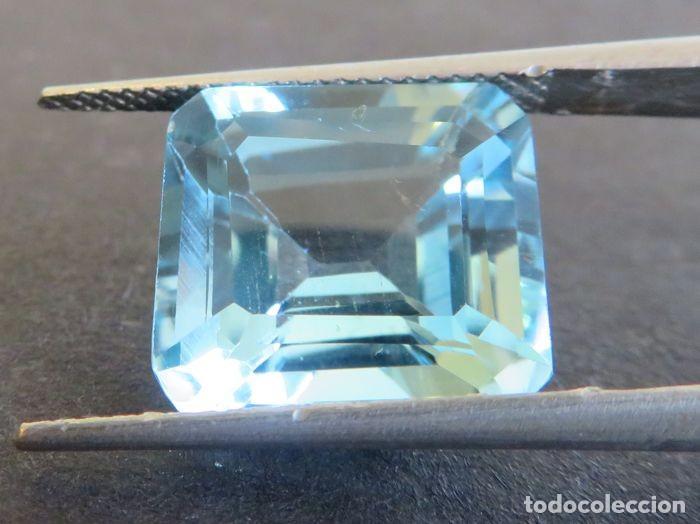 Coleccionismo de gemas: Topacio azul de gran tamaño, 11,16 ct., sin tratamientos y en corte esmeralda. - Foto 2 - 159082522