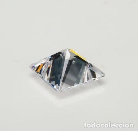 Coleccionismo de gemas: Espectacular Zafiro Chatham Star Blanco de 6.65 Ct (10 x 10 mm.) - Foto 3 - 173101963