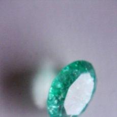 Coleccionismo de gemas: ESMERALDA VERDE MUY CLARA, NATURAL, DE TALLA OVAL, DE COLOMBIA, CON 6.45 CT. Lote 174569154