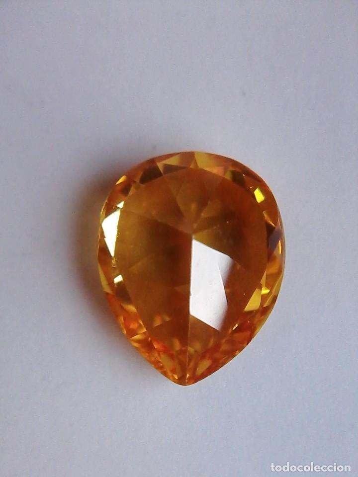 Coleccionismo de gemas: Precioso Circón Light Natural Amarillo de Camboya con 7.5 Ct. - Foto 4 - 175735274