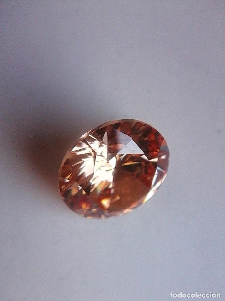 Coleccionismo de gemas: Luminoso zafiro Chatham Color Champang Talla Redonda de 6.45 Ct. (10 mm Ø ). - Foto 4 - 176014774