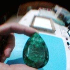 Coleccionismo de gemas: ESPECTACULAR ESMERALDA DE COLOMBIA CON TALLA DE PERA Y 187.05 CT.. Lote 175742733