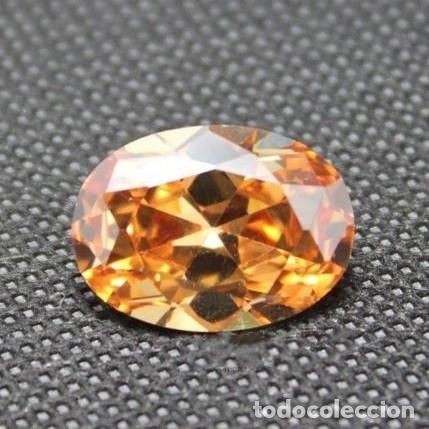 Coleccionismo de gemas: Bonito Zafiro Chatham Color Champaña y Talla Oval de 4.55 Ct. - Foto 2 - 178126707