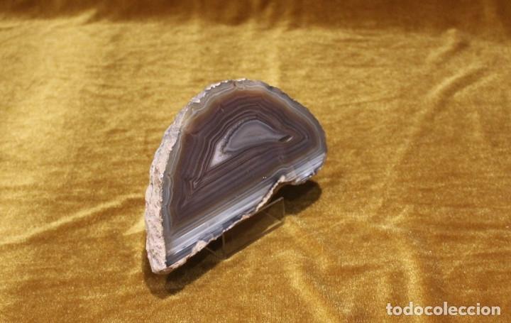 ÁGATA PULIDA. YACIMIENTO LA LIMEÑA ARTIGAS. URUGUAY. PESO 785 GR. DIMENSIONES 180 X 95 MM. (Coleccionismo - Mineralogía - Gemas)
