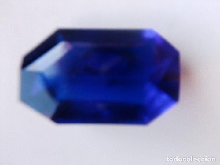 Coleccionismo de gemas: Rara y Bonita Talla Fancy de Topacio Flux Azul de Brasil con 23 Ct. - Foto 3 - 179559757