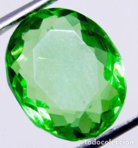 Coleccionismo de gemas: Precioso Topacio Flux de Brasil Verde Manzana Talla Oval de 11.60 Ct. - Foto 2 - 181141096
