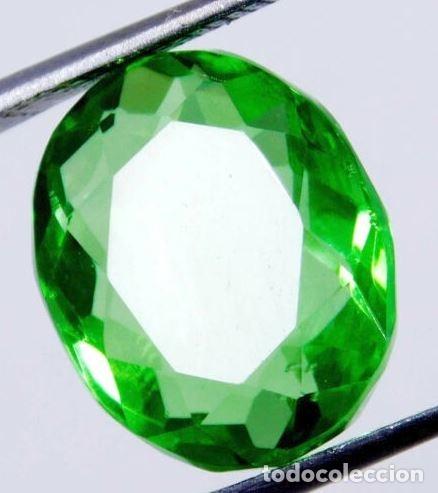 Coleccionismo de gemas: Precioso Topacio Flux de Brasil Verde Manzana Talla Oval de 11.60 Ct. - Foto 3 - 181141096