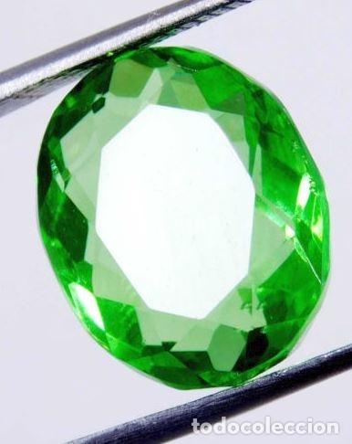 PRECIOSO TOPACIO FLUX DE BRASIL VERDE MANZANA TALLA OVAL DE 11.60 CT. (Coleccionismo - Mineralogía - Gemas)