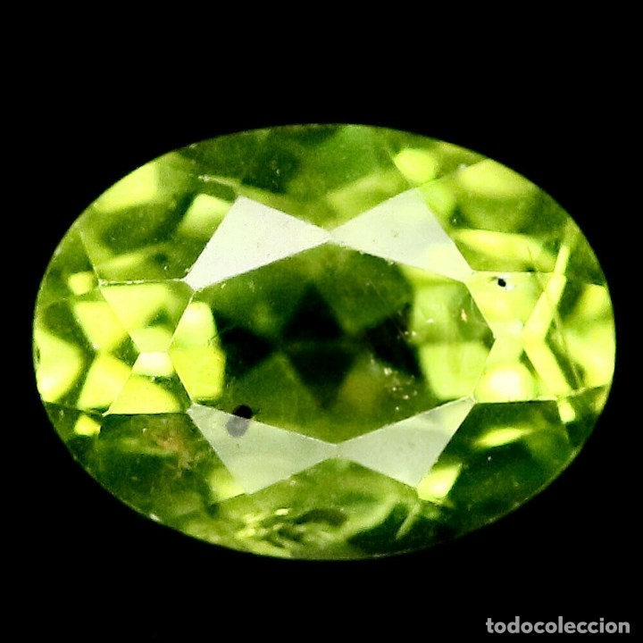 PERIDOTO (OLIVINA) OVAL 9,0 X 7,0 X 5,2 MM. (Coleccionismo - Mineralogía - Gemas)