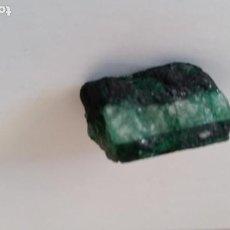 Coleccionismo de gemas: CORTE DE VETA DE ESMERALDA EN BRUTO.NATURAL DE MUZO ( COLOMBIA ) CON 59.00 CT.. Lote 191358751