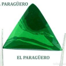 Coleccionismo de gemas: MALAQUITA TRIANGULAR DE 18,10 KILATES CON CERTIFICADO AGI - MIDE 2,4 X 2,3 X 0,6 CENTIMETROS - Nº1. Lote 192295682