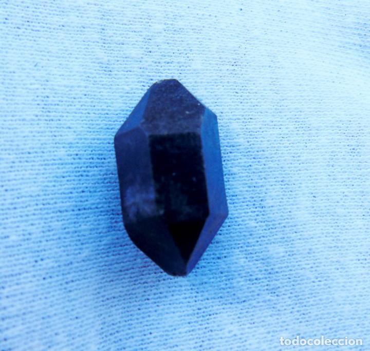 CUARZO NEGRO (Coleccionismo - Mineralogía - Gemas)