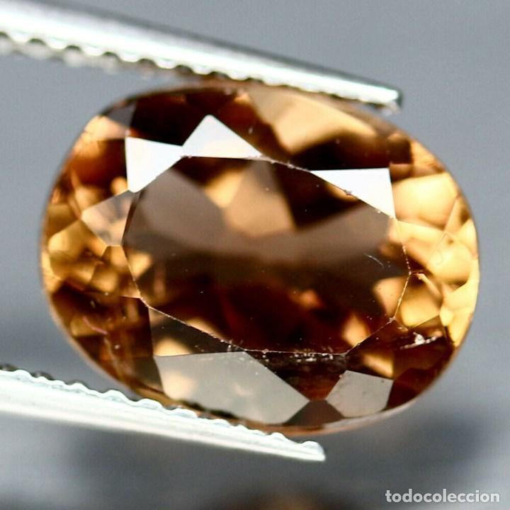 TOPACIO CHAMPAN OVAL 14.0 X 10.1 MM (Coleccionismo - Mineralogía - Gemas)