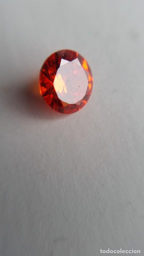 CIRCÓN NATURAL NARANJA DE CAMBOYA CON TALLA REDONDA Y 2.25 CT . (Coleccionismo - Mineralogía - Gemas)