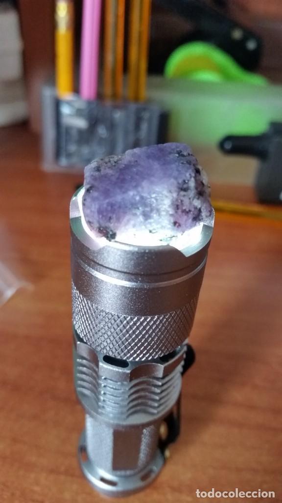 Coleccionismo de gemas: Rubí Bicolor Violeta-Rosáceo. Natural. En Bruto. De Madagascar con 57.57 Ct. - Foto 2 - 222037022