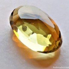 Collectionnisme de gemmes: CITRINO NATURAL AMARILLO CLARO 55,75.CT - 31.64X19.83X11.85. Lote 225590395
