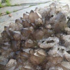 Coleccionismo de gemas: CUARZO AHUMADO DE GRANT TAMAÑO. Lote 232247010