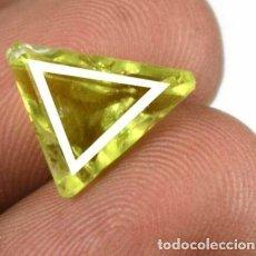 Coleccionismo de gemas: PRECIOSO OLIVINO VERDE (PERIDOTO) NATURAL DE PAKISTAN TALLA TRIANGULAR CON 5. 0 CT. CERTIFICADO.. Lote 245482415