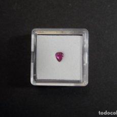 Collezionismo di gemme: RUBI TALLA PUNTA DE FLECHA. MED. 4 X 5 MM. PESO- 0,25 CTS. TAILANDIA. SIGLO XX. Lote 276140543