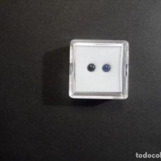 Coleccionismo de gemas: 2 ZAFIRO AZUL TALLA REDONDA CABUJON. MED. 4 MM. PESO- 0,65 CTS. TAILANDIA. SIGLO XX. Lote 284642088