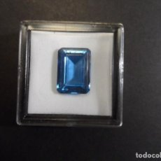 Coleccionismo de gemas: ZAFIRO AZUL RECONSTITUIDO TALLA ESMERALDA. MED.18 X 13 MM. PESO 16,70 CTS. SUIZA. SIGLO XX. Lote 285318708
