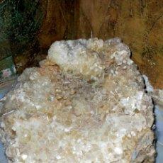 Coleccionismo de gemas: GRAN DRUSA DE CALCITA. Lote 293949363