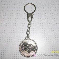 Coleccionismo de llaveros: LLAVERO CON COCHE ANTIGUO.. Lote 12737793