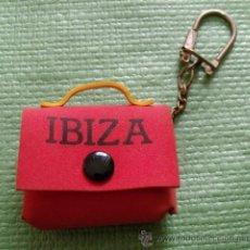 Coleccionismo de llaveros: LLAVERO MONEDERO RECUERDO IBIZA. Lote 51414435
