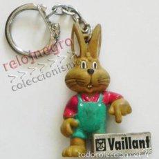 Coleccionismo de llaveros: ANTIGUO LLAVERO - VAILLANT - CONEJO - MASCOTA - FIGURA DE GOMA - FIGURITA - PUBLICIDAD - MUÑECO. Lote 57278258